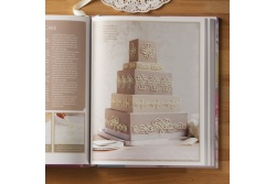 Decorating Cakes by The Australian Woman's Weekly pic 3